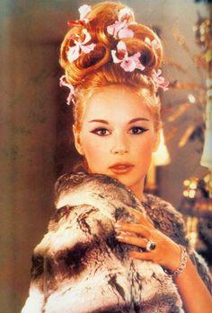 Net Photo: Aliki Vougiouklaki: Image ID: . Pic of Aliki Vougiouklaki - Latest Aliki Vougiouklaki Image. Vintage Hairstyles, Up Hairstyles, Hairdos, Updos, Hollywood Tonight, Hair Addiction, She Movie, Bright Stars, Famous Women
