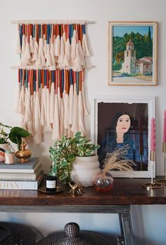 Fresh and Fabulous Crafts To Make This Weekend! There are so many awesome ideas and diys and I am sure that you will want to make more than one this weekend Easy Diy Crafts, Diy Arts And Crafts, Crafts To Make, Yarn Crafts, Diy Tassel, Tassels, Weaving Art, Diy Wall Art, Wall Hanger