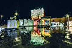 Gallery of GTM Cenografia Uses Shipping Containers in Rio Olympic Pop-up Store for Nike - 6