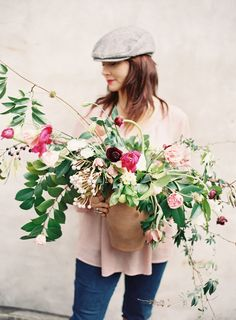 How To Create a Foraged Floral Arrangement from Amy Osaba - Style Me Pretty Living Romantic Centerpieces, Centrepieces, Style Me Pretty Living, Fall Floral Arrangements, Flower Power, Planting Flowers, Beautiful Flowers, Floral Wreath, Floral Bouquets