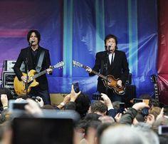 Paul McCartney promociona su último disco 'New' con un concierto improvisado en Covent Garden
