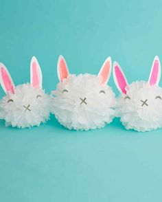 Martha stewart pom pom craft: how to make easter bunny pom-pom decorations. Bunny Crafts, Easter Crafts, Easter Decor, Easter Ideas, Decor Crafts, Diy And Crafts, Pom Pom Decorations, Martha Stewart Crafts, Pom Pom Crafts