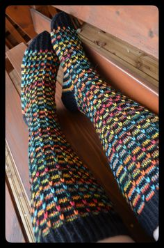 Diy Crochet And Knitting, Crochet Socks, Knitted Slippers, Wool Socks, My Socks, Loom Knitting, Knitting Socks, Hand Knitting, Stocking Tights