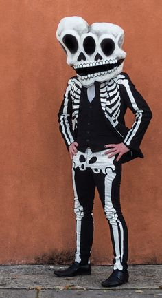 My finished conjoined twins skeleton costume for Mardi Gras day Mens Skeleton Costume, Skeleton Mask, Skeleton Tattoos, Skull Mask, Halloween Items, Halloween Masks, Halloween Makeup, Halloween Party, Sugar Skull Makeup