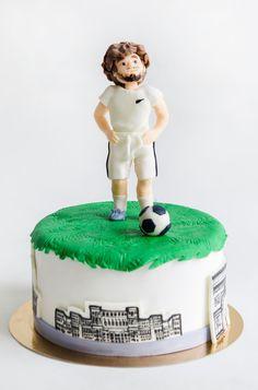 Stim ca exista multi iubitori ai fotbalului, dar stim ca sunt si mai multi cei care sunt mari fani ai echipei Barcelona, astfel ca va prezentam un tort personalizat si potrivit unei petreceri aniversare. Fani, Romania, Barcelona, Cakes, Desserts, Tailgate Desserts, Deserts, Cake Makers, Kuchen
