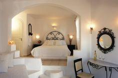 Folegandros - moderne Zimmer Spa Hotel, Hotels And Resorts, Bed, Furniture, Home Decor, Air Travel, Small Island, Viajes, Ideas