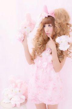 "Himegyaru-coordinates: "" Brand: Princess Melody """