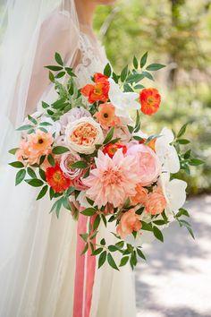 Poppy Wedding Bouquets, Bride Bouquets, Bridesmaid Bouquet, Daffodil Bouquet Wedding, Poppy Flower Bouquet, Wildflower Bridal Bouquets, Floral Bouquets, Coral Wedding Themes, Floral Wedding
