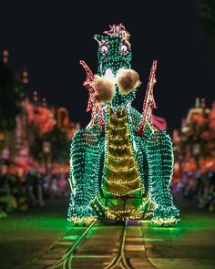 Last call for the Main Street Electrical Parade is tonight! Who got a chance to see it, and will you miss it? Vintage Disneyland, Last Call, Main Street, Maine, Captain Hat, Christmas Ornaments, Holiday Decor, Instagram, Fashion