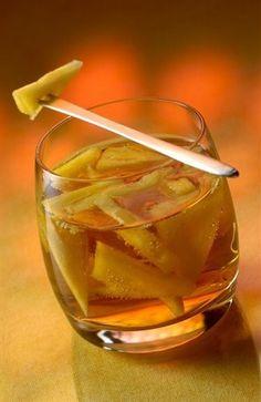 Ананасовый крюшон с шампанским и коньяком