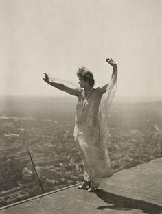 still from Paris qui dort, c1929 (Rene Clair)