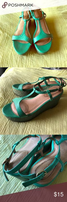 Teal summer sandals Comfy cute size 6 sandals. These platform sandals are easy to wear and have cushion padding on the pressure points of your foot. Haven't worn these in a while so I decided to put them up for sell. Offers/trades/bundles! Corso Como Shoes Sandals