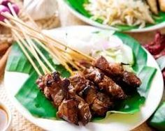 Indonesian Sate--sweet and spicy beef kabobs! Beef Kabob Recipes, Grilling Recipes, Appetizer Recipes, Salad Recipes, Appetizers, Beef Satay, Beef Jerky, Beef Skewers, Spicy Peanut Sauce