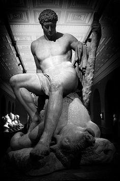 http://roberitatesac.wix.com/roberita-tesac Canova's Theseus and the Minotaur