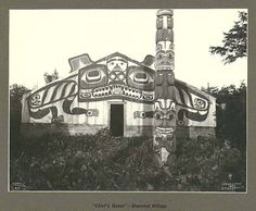 Chief's painted house with totem pole, deserted Tlingit Indian village, Cape Fox, Alaska, July 1899.