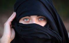 German Author Reveals Secret Behind Her Wearing Of...