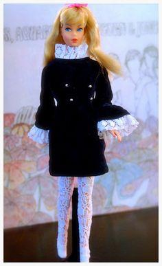 Standard Barbie - blonde