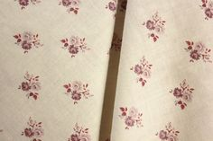 Charming small scale antique French printed cotton fabric ~ lovely for quilting, patchwork , pillows etc ~ French country style ~ www.textiletrunk.com