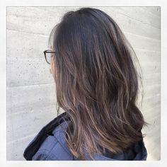 いいね!35件、コメント1件 ― Uta/アディクシーカラーbabylightsハイライトさん(@utaataliveomotesando)のInstagramアカウント: 「#バッサリ #ロブ ☺︎ . . #ash #alive #asian #beauty#tokyo#bleach #balayage #hair #harajuku #highlights…」