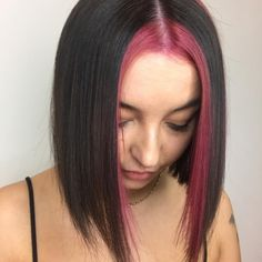 and with a pea of Strawberry Stripe by using Grunge Look, 90s Grunge, Grunge Style, Soft Grunge, Pink Hair Streaks, Split Dyed Hair, Style Pastel, Dying My Hair, Multicolored Hair