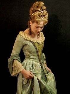 Late Baroque Fontange curls