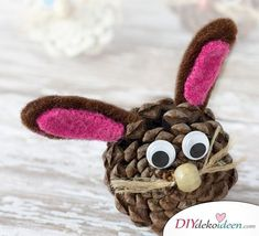 15 colorful spring kids crafts - frugal and simple kids crafts and art activities for spring. Easter DIY projects for children Pinecone Crafts Kids, Christmas Craft Projects, Spring Crafts For Kids, Leaf Crafts, Bunny Crafts, Crafts For Kids To Make, Easter Crafts For Kids, Preschool Crafts, Craft Kids
