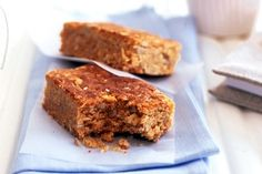 Peanut butter & oat slice