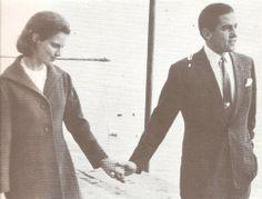 Ρομαντική βόλτα χέρι με χέρι   Flickr - Photo Sharing!