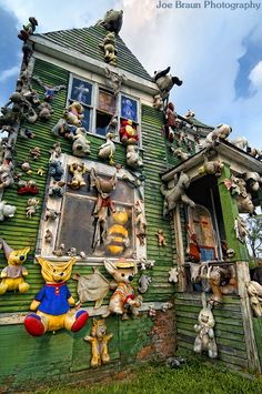 The Party Animal House- Heidelberg project Detroit.. Check that off my list!