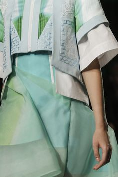 Peter Pilotto Spring 2014 RTW - Details - Fashion Week - Runway, Fashion Shows and Collections - Vogue
