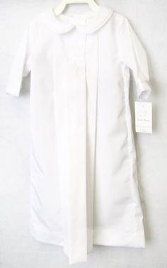 Tenue de baptême bébé garçon est une robe de baptême ou une robe de baptême de notre boutique pour enfant. Nos vêtements de baptême pour petit garçon pour bébés filles et garçons de bébé sont disponibles dans de nombreux styles de notre boutique pour enfant. Cette robe bébé serait parfaite pour un baptême de twin bébé fille. Notre boutique pour enfants offre des vêtements de la boutique pour bébés filles et garçons.  Robe de baptême unisexe est blanc avec liseré blanc et peut venir avec ou…