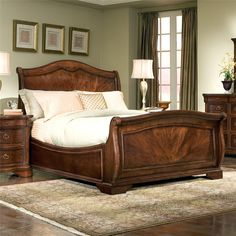 Heritage Court King-size Arched Wood Sleigh Bed By Legacy Classic