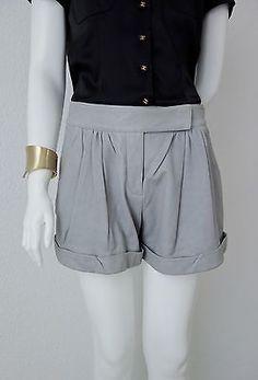 Diane Von Furstenberg Very Soft Leather Short US size 4/French Size 36