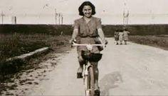 Circa novant'anni fa, in un caldo giorno di fine estate, nacque Onorina Pesci Brambilla, straordinaria figura di donna che, nel corso della sua lunga vita, ha attraversato prima il fascismo e