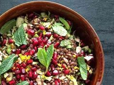 レンズ豆とざくろのサラダの画像