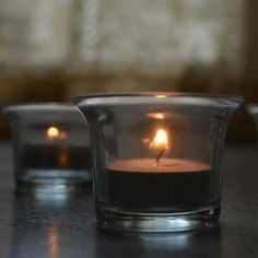 Luz tenue. Candle Holders, Candles, Pictures, Porta Velas, Candy, Candle Sticks, Candlesticks, Candle, Candle Stand