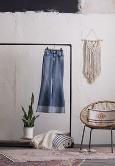 Bring all the music festival vibes right to your home with these exaggerated flares! Our High Rise Flare Jean isn't just a '70s throwback; it's the real deal. Rekindled from patterns in our archives, this high rise creates a beautifully trim waistline and is followed by a snug-yet-comfortable fit in the seat and thighs, thanks to a touch of that famous 1960s Lee stretch. With a wash inspired straight from a pair of archived bell bottoms, these look like they walked right outta Woodstock. Vintage Modern, Woodstock, Flare Jeans, Bell Bottoms, Snug, 1960s, Vintage Ladies, Thighs, Bring It On