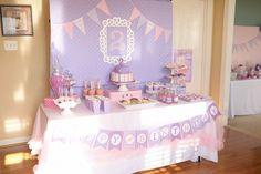 """Fiestas infantiles, ¡de la Doctora Juguetes! Ideas para fiestas infantiles de la Doctora Juguetes. Si en casa tienes fans de """"Doc"""", no te pierdas estas ideas para un cumpleaños ¡por todo lo alto!"""