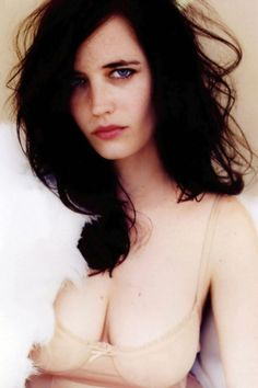 I was going to post 33 pics in honor of Eva Green's 33 years on Earth, but then I found some more