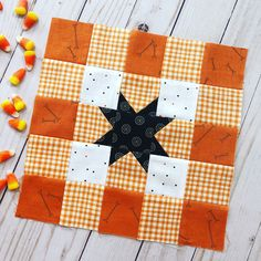 Gingham Picnic goes Halloween Halloween Quilt Fabric, Halloween Quilt Patterns, Quilting Tutorials, Quilting Projects, Quilting Tips, Sewing Projects, Quilt Block Patterns, Quilt Blocks, Picnic Quilt