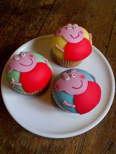 Peppa Pig..... Kid Cupcakes, Cupcake Cakes, Cupcakes Design, Cup Cakes, Peppa Pig Birthday Decorations, Pig Crafts, Pig Party, Childrens Party, Party Cakes