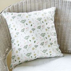 Charlotte Macey's Countryside design, featuring cow parsley, leaves and bumblebees. www.charlottemacey.co.uk