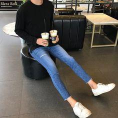 pin (͡° ͜ʖ ͡°) FashionTrendsGrunge is part of Mens pants fashion - Korean Fashion Men, Korean Street Fashion, Teen Guy Fashion, Curvy Fashion, Men Fashion, Fall Fashion, Fashion Tips, Fashion Trends, Stylish Mens Outfits