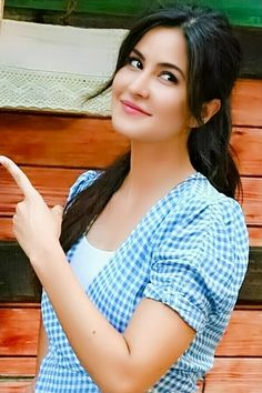 Katrina Kaif Wallpapers, Katrina Kaif Images, Katrina Kaif Photo, Beautiful Bollywood Actress, Most Beautiful Indian Actress, Stylish Girl Pic New, Bollywood Celebrities, Bollywood Actors, Celebrity Beauty