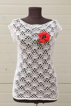Tops - Gehäkelte Bluse weiß - ein Designerstück von derKommode bei DaWanda                                                                                                                                                      Mehr