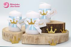 Vela para Lembrança de Batizado tema principe - Velas para brinde de batismo Wedding Aniversary, Communion, Place Cards, Place Card Holders, Baby Shower, Candles, Salvador, Babies, Inspiration