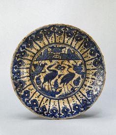 Dish Iran, century painted in cobalt. Ceramic Plates, Ceramic Pottery, Pottery Art, Best Carpet, Illuminated Manuscript, Islamic Art, 17th Century, Iran, Medieval