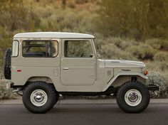 Vintage Trucks Classic 15 Perfectly Rugged Photos Of A 1976 Toyota Land Cruiser Toyota 4x4, Toyota Trucks, Toyota Cars, Lifted Ford Trucks, Tacoma Toyota, Fj Cruiser, Toyota Land Cruiser, Classic Chevy Trucks, Classic Cars