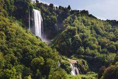 La cascata delle Marmore es una de las más altas y llamativas de Europa. Los italianos disfrutan de ... - Corbis. Texto: Redacción Traveler