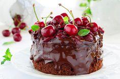 Saftiger, veganer Schokokuchen #vegan #rezept #schokolade #kuchen